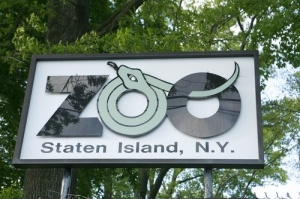 Staten island zoo sign