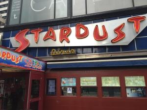 Ellen's Stardust Diner 01