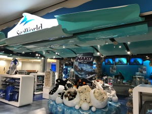 orlando-airport-seaworld-shop