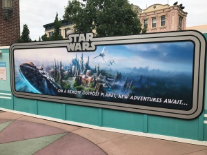 hs-star-wars-land-coming-soon