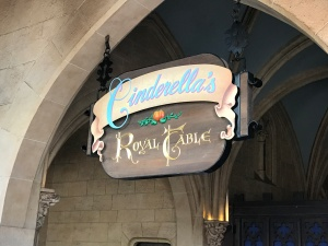 mk-cinderellas-royal-table