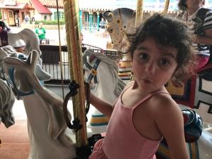 mk-hanna-carousel