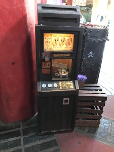 mk-pirates-bazaar-machine-01